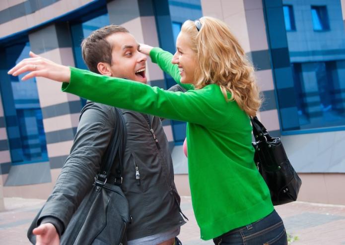 hugs-relationship-friends-afprelax