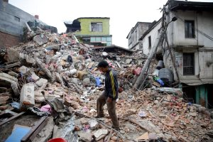 Nepal quake kills more than 1,800 and avalanches on Everest