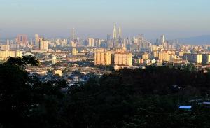 Kuala_Lumpur_KL_skyline_Zainal_2014