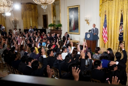 president_obama_answers_question_from_ysali