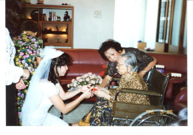 Brenda offerign Tea to Granny.jpg