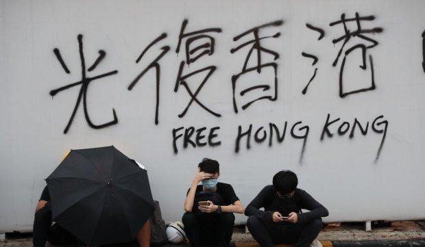 2. Free Hong Kong - photo by Sam Tsang